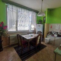 2 izbový byt, Čierna nad Tisou, 64 m², Čiastočná rekonštrukcia