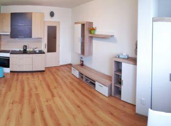 ELIMARK - PRENÁJOM , GARZÓNKA s výťahom, 24 m2, Vilová ulica - Petržalka
