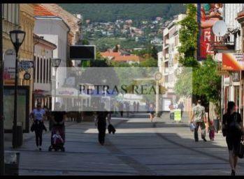 Prenájom 147,5 m2 obchodný priestor Nitra centrum