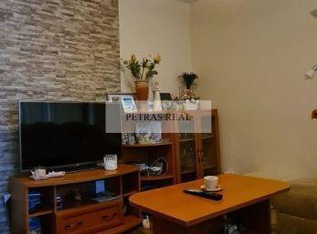 Predaj zrekoštr. 3.izb bytu vo Vrábloch s loggiou v blízkosti centra NOVA CENA