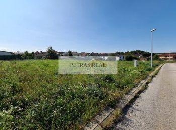 PREDANÝ 10,5 ár lukratívny stavebný pozemok v Nitre na Prameni