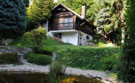 EXKLUZÍVNY pozemok s možnosťou bývania v rod.dome tesne pod Malými Karpatami.