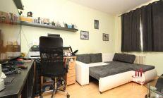 Super cena ! 4 izbový, čiastočne zrekonštruovaný byt, Komárno, predaj