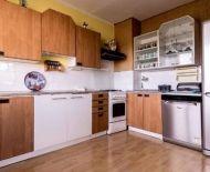 Na predaj 3 izbový byt 76 m2 Handlová 70128