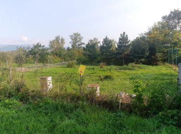 ** 65 € / m2 ** Na predaj stavebný pozemok 400 m2 určený na výstavbu RD - Nové Mesto n/V **