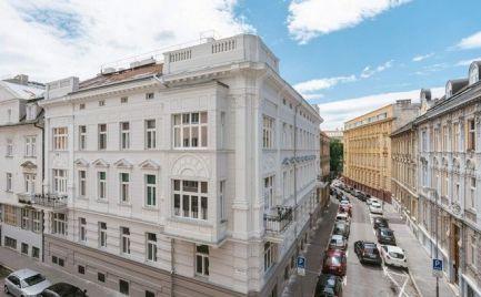 Na predaj úplne nový, klimatizovaný 3i byt s balkónom v Starom meste.