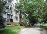 SENEC – NA PREDAJ 4 izbový byt, čiastočne zrekonštruovaný - Nám. 1. mája v SENCI