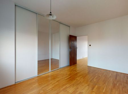 3 izbový byt /Mateja Bela/ Piešťany