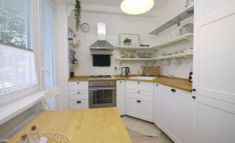 2-izbový byt po kompletnej rekonštrukcii, 2 x balkón, s výhľadom na Karpaty