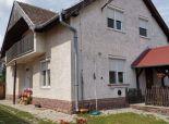 Okr. Galanta - NA PREDAJ - samostatný, 5 izbový rodinný dom s obytným podkrovím v centre obce VEĽKÉ ÚĽANY.