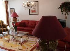 SENEC -  NA PRENÁJOM -   3 izbový byt v centre mesta na Lichnerovej ulici / pešia zóna /