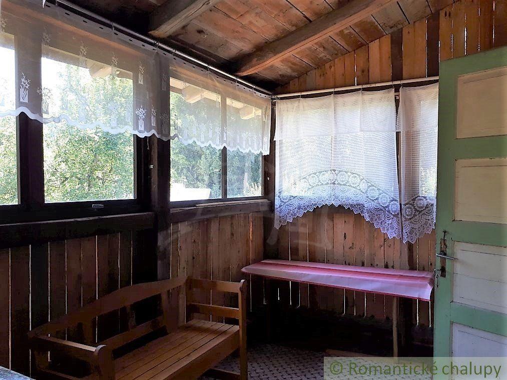 Novostavba a drevenica v krásnom prírodnom prostredí s výhľadom na lyžiarsky svah v Lazoch pod Makytou na predaj
