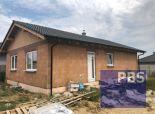 --PBS-- NOVOSTAVBA Bungalov 4+1 s pozemkom o výmere 551 m2, obec Horné Orešany