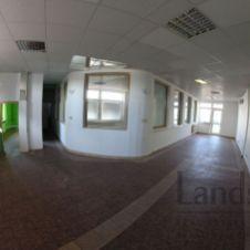 Obchodný priestor na ul. Hálkova, 83m2, 900 EUR!