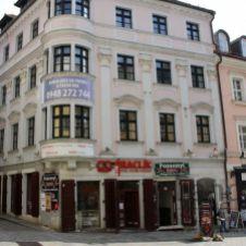 Obchodný priestor o výmere 187 m2 v lukratívnej pasáži v centre Bratislavy na ul. Michalská
