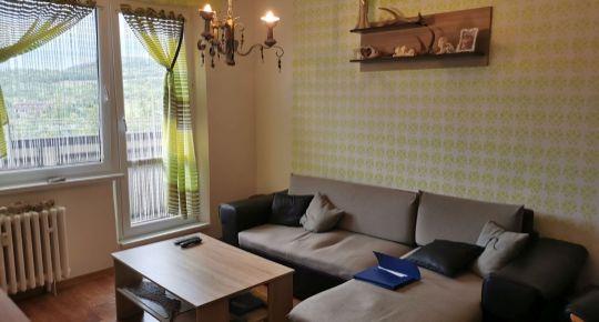 Ponúkame na predaj pekný 3 -izb. byt vo Veľkom Krtíši s loggiou.