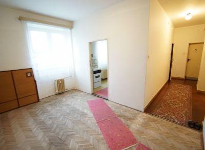 3 izbový tehlový, veľkometrážny byt (96 m2) v širšom centre Martina na predaj