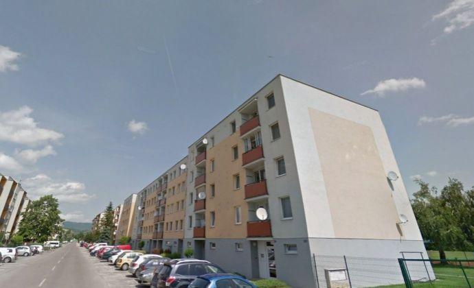 Zrekonštruovaný 3 izbový byt v tichej, kľudnej lokalite