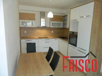Prenajmeme 3-izbový byt v novostavbe v Seredi s parkovacím miestom