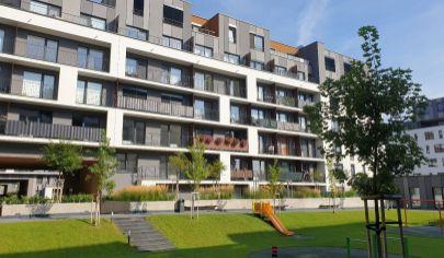 PREDAJ - pekný 2i byt s garážovým státím v novostavbe SLNEČNICE- BA, ul. Zuzany Chalupovej