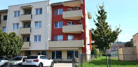 **Predaný** - NA PREDAJ  Priestranný 3i byt s rozľohou 94m2 vo výbornej lokalite v blízkom centre Trenčína na Bezručovej ulici