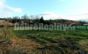 Predaj: Pozemok vhodný na výstavbu rodinného domu, 1268 m2, obec Veľké Lovce, okr. Nové Zámky