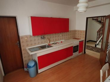 Na predaj rodinný dom s garážou, Stráňavy, 584 m2