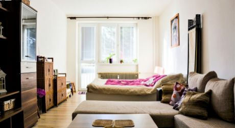 INVESTIČNÁ PRÍLEŽITOSŤ - na predaj 2 izbový byt, 55 m2, ul. ČSA, Handlová