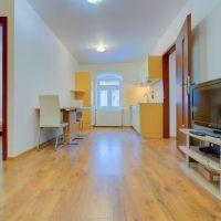 3 izbový byt, Bratislava-Staré Mesto, 61 m², Kompletná rekonštrukcia