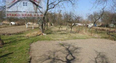 Pozemok - záhrada 921 m2, Kátov