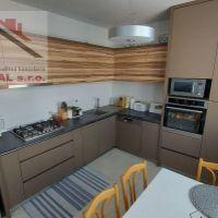 4 izbový byt, Holíč, 86 m², Kompletná rekonštrukcia