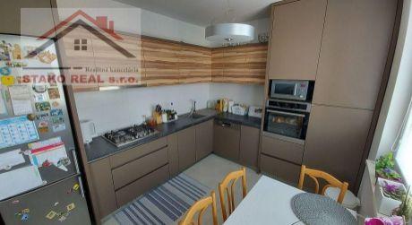 Predané:   štvorizbový byt Holíč, SNP