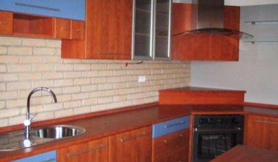 Prenájom - Priestranný, zariadený 3-izbový byt s balkónom, Petržalka, Šuštekova.