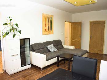 Skvelá lokalita ! PEKNÝ 3 izb. byt na sídl. JUH v nízkopodlažnej bytovke