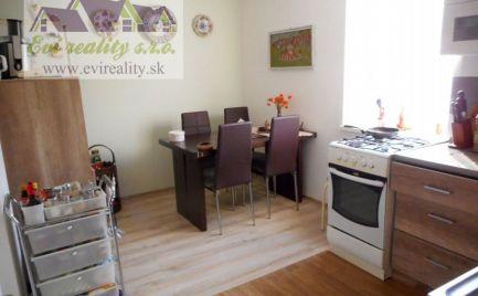 Predaj, dvojizbový rodinný dom po rekonštrukcii v Hradišti pod Vrátnom, okr. Senica.