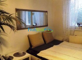 Na predaj 2-izbový byt blízko centra v Poprade
