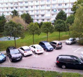 StarBrokers – PREDAJ 2,5-izb. byt 64m2 + loggia na 1/6 p., ul.Československých parašutistov,  Bratislava- Nové Mesto