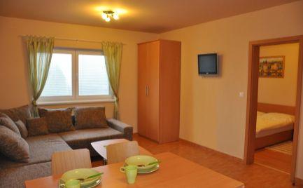 Krásny 2 izbový byt v súkromnom  areáli na predaj