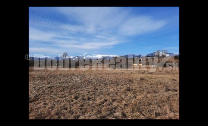 PREDAJ: Rozľahlý pozemok na brehu rieky Rohozná, 7566 m2, Brezno - Rohozná