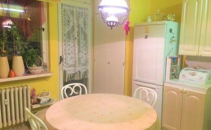 Ponúkame na predaj slnečný 3 izbový byt s balkónom na Rezedovej ulici v Ružinove, BA II.
