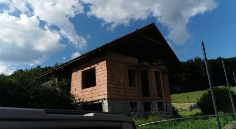 Rozostavaný  RD - Ivanovce -  Melčice - dolina