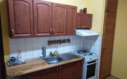 Na predaj 3 izbový byt s veľkou lodžiou v pôvodnom stave.