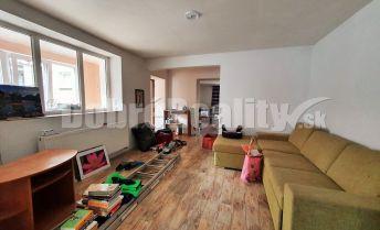 Na predaj rodinný dom po čiastočnej rekonštrukcii v malebnej obci Horné Trhovište, pozemok 502m2. Treba vidieť !!!!!