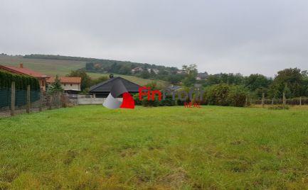 Predám stavebný pozemok 713m2 v Lehote pri Nitre.