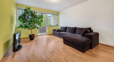 REZERVOVANÉ - NA PREDAJ 3 izbový, slnečný byt s veľkou lódžiou na Kramároch pri lesoparku Koliba
