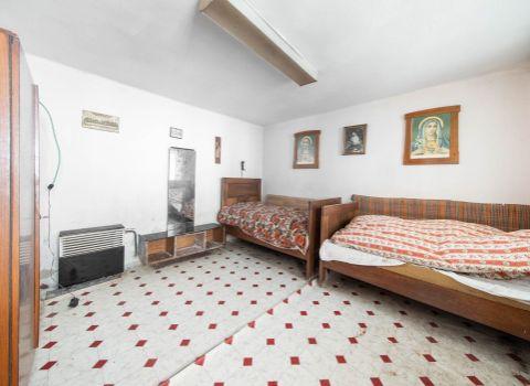 Na predaj starší rodinný dom v Prašiciach neďaleko jazera Duchonka