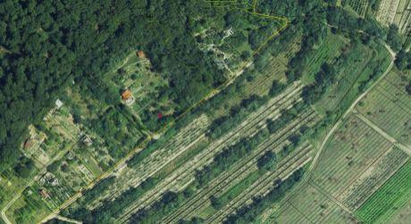 PEKNÁ ZÁHRADA v krásnej prírode Karpát nad Račou je na predaj- pre rekreačnú výstavbu