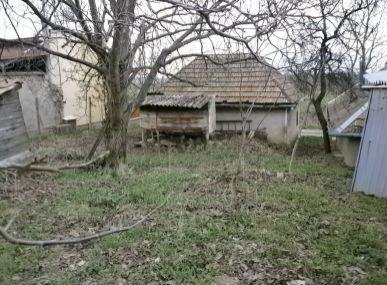 MAXFIN REAL viničný domček s pozemkom 5km od Levíc