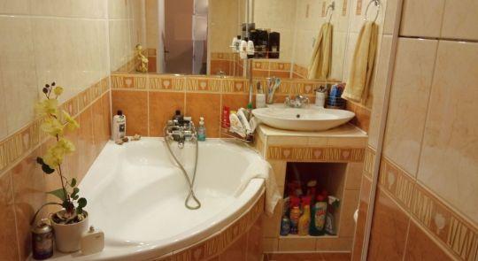 Na predaj 3 izbový byt v Lučenci, s loggiou...