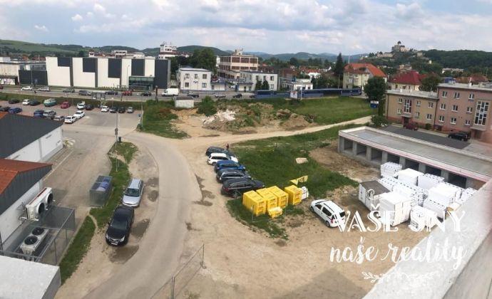 Na predaj investičný stavebný pozemok v blízkosticentra Trenčín.